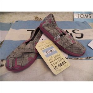 New Kid TOMS Tiny Classic Vegan Dare To Teach Pink